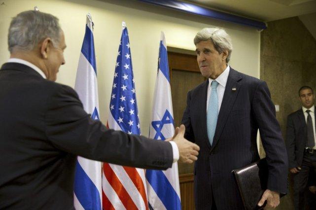 M. Kerry s'est entretenu pendant deux heures à... (Photo JACQUELYN MARTIN, Reuters)