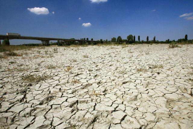 On ne peut plus se limiter à réduire... (Photo archives Agence France-Presse)