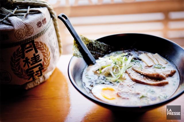 Difficile de ne pas aimer le ramen, cette soupe aux nouilles d'origine... (PHOTO MARCO CAMPANOZZI, LA PRESSE)