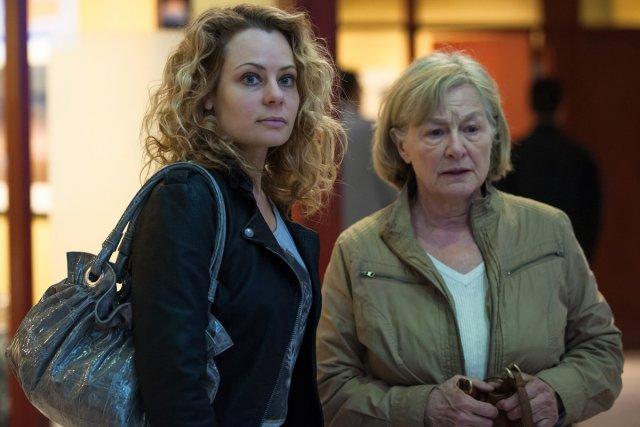 Catherine-Anne Toupin et Micheline Lanctôt dans Unité 9.... (Photo: fournie par ICI Radio-Canada Télé)