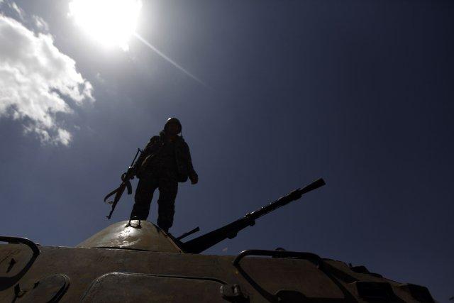Le bâtiment attaqué se trouve pourtant dans un... (Photo MOHAMED AL-SAYAGHI, Reuters)