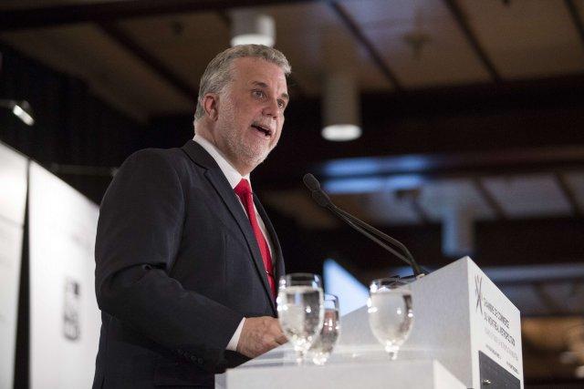 Le chef du PLQ, Philippe Couillard... (Photo Francois Laplante Delagrave, AFP)