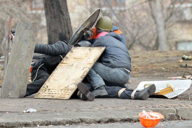 «Des agents du FSB ont participé à la... (PHOTO SERGEI SUPINSKY, ARCHIVES AFP)