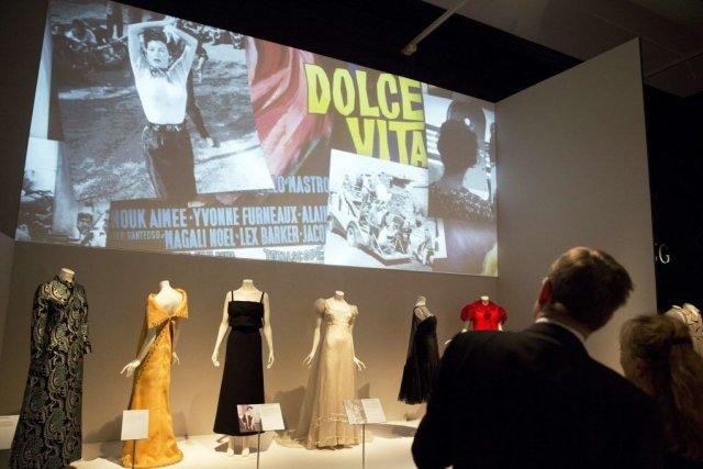 Des premiers défilés d'après-guerre à Florence aux créations récentes... (PHOTO ADRIAN DENNIS, AFP)