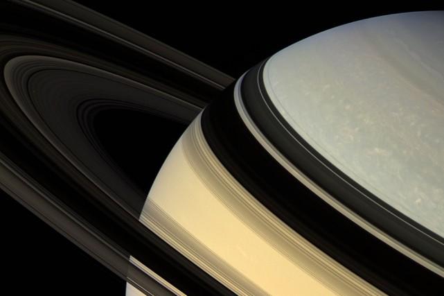L'atmosphère de Saturne est composée essentiellement d'hydrogène, d'hélium... (PHOTO ARCHIVES NASA)