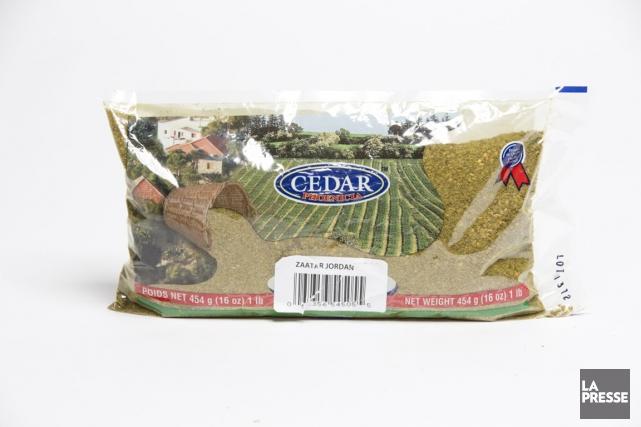 Le zaatar est un mélange de thym, de sumac et de graines de sésame, vendu dans... (Photo David Boily, La Presse)