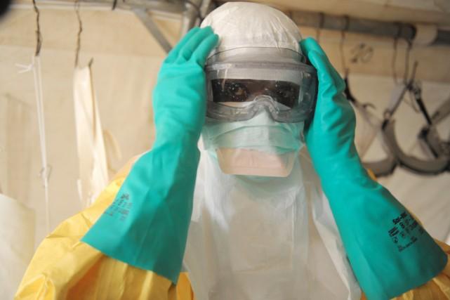 Depuis l'apparition d'une épidémie de fièvre hémorragique en... (PHOTO AFP/SEYLLOU)
