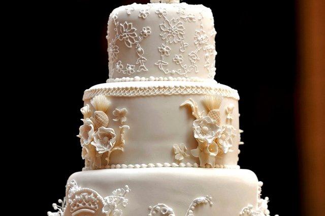 Une part du gâteau de mariage de William et Kate aux enchères ...