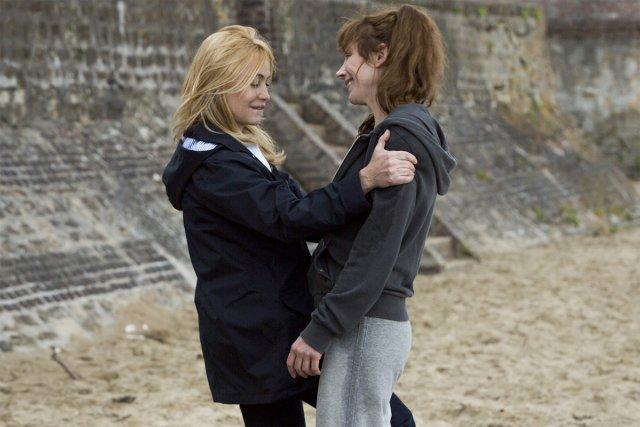 Emmanuelle Béart et Julie Depardieu dans une scène... (Photo: fournie par Wild Bunch Distribution)