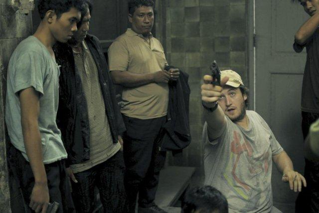 Le réalisateur Gareth Evans (à droite) s'est retrouvé... (PHOTO FOURNIE PAR SÉVILLE FILMS)
