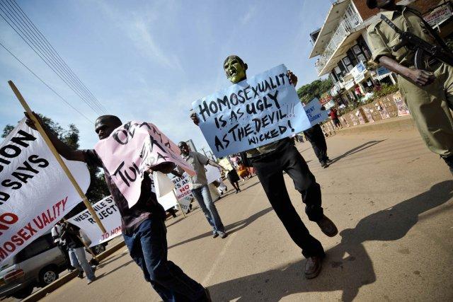 Des manifestants antigais dans la capitale ougandaise, Kampala,... (Photo Marc Hofer, archives The New York Times)