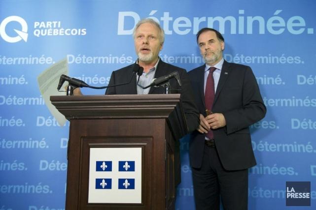Deux ministres sortants du gouvernement Marois, Jean-François Lisée... (PHOTO ROBERT SKINNER, LA PRESSE)