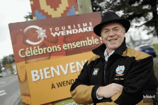 Le grand chef de Wendake, Konrad Sioui, propose... (Photothèque Le Soleil, Jean-Marie Villeneuve)