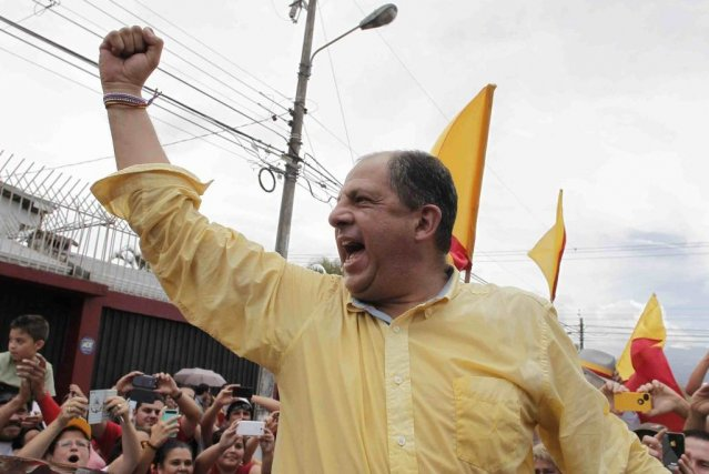 Incarnant les espoirs de changements, Luis Guillermo Solis,... (Photo: AP)