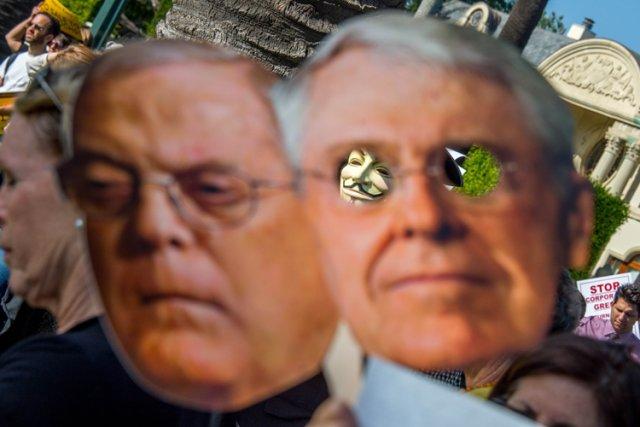Les frères Koch se plaignent ces jours-ci du... (Photo: AFP)