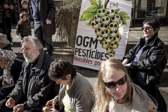 Le viticulteur avait reçu l'appui d'organisations écologistes qui... (PHOTO JEFF PACHOUD, AFP)