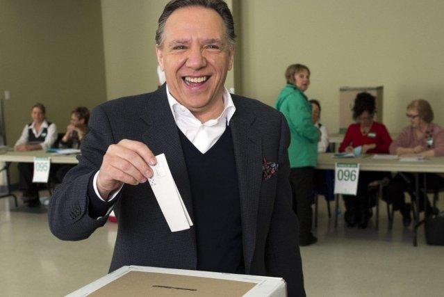 Le chef de la Coalition Avenir Québec, François... (PHOTO RYAN REMIORZ, AP)