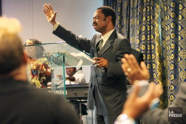 Le pasteur Mwinda Lesoka est accusé de fraude... (Photo Robert Skinner, archives La Presse)