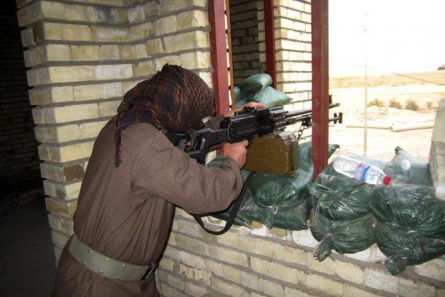 Un sunnite à Fallujah, mardi.... (Photo Reuters)
