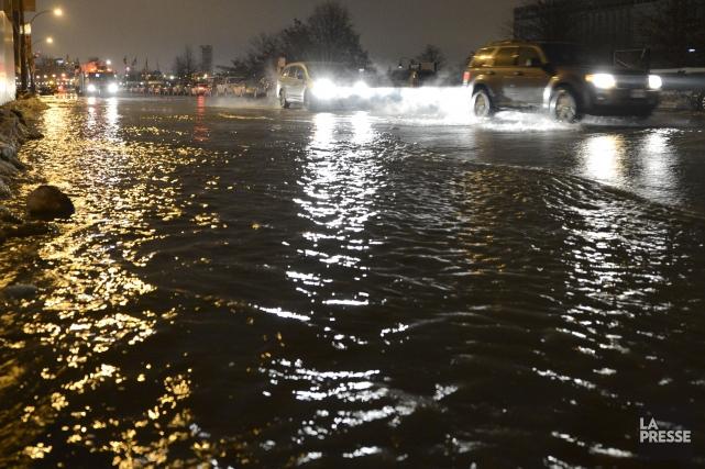 Une inondation due à une fuite d'eau à... (Photo Bernard Brault, Archives La Presse)