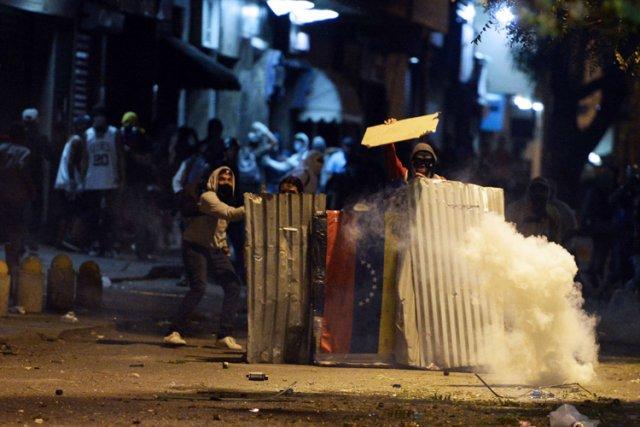 Le président socialiste Nicolas Maduro est confronté depuis... (Photo: AFP)