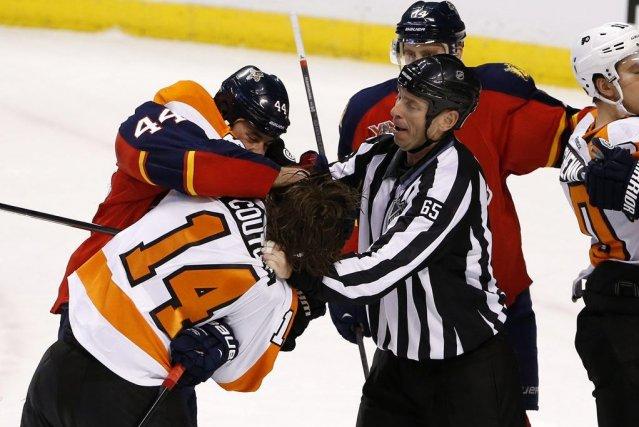 Claude Giroux a réussi un doublé et les Flyers de Philadelphie ont accédé aux... (Photo: Reuters)