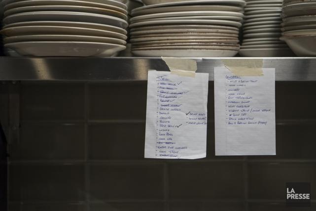 La liste des préparatifs pour le repas de... (PHOTO OLIVIER PONTBRIAND, LA PRESSE)