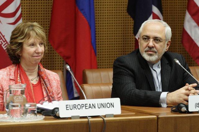 La chef de la diplomatie européenne CatherineAshton aux... (Photo Heinz-Peter Bader, Reuters)