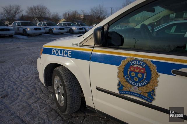 La police de Longueuil effectuait jeudi matin des... (Photo d'archives, La Presse)
