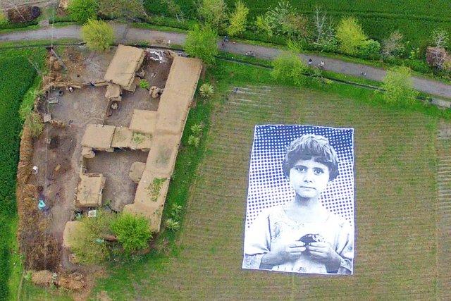 Le premier portrait visible des airs montre une... (PHOTO AFP)