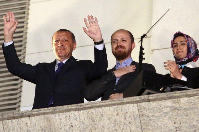 Le premier ministre Recep Tayyip Erdogan, en compagnie... (PHOTO ARCHIVES REUTERS/STRINGER)