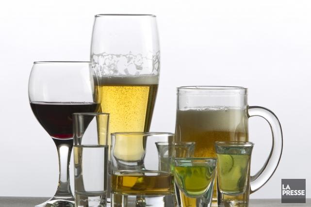 Par habitant, les ventes de bières ont représenté... (PHOTO ALAIN ROBERGE, ARCHIVES LA PRESSE)