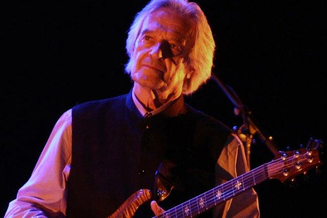 John McLaughlin en concert à Ramallah.... (Photo: AFP)