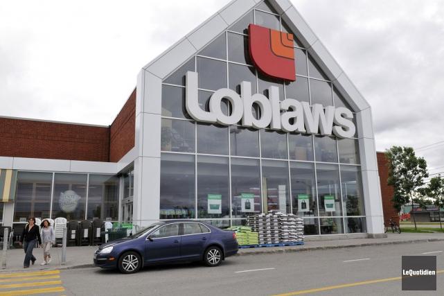 Loblaw possède présentement 2300 magasins au Canada, notamment... (Photo Rocket Lavoie, archives Le Quotidien)