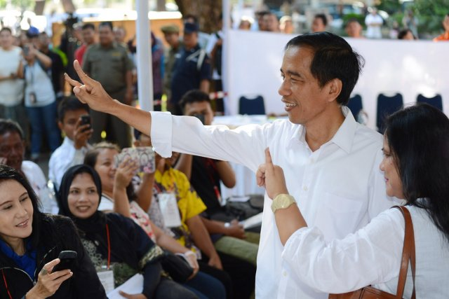 Joko Widodo était commerçant de meubles avant de... (PHOTO ROMEO GACAD, ARCHIVE AFP)