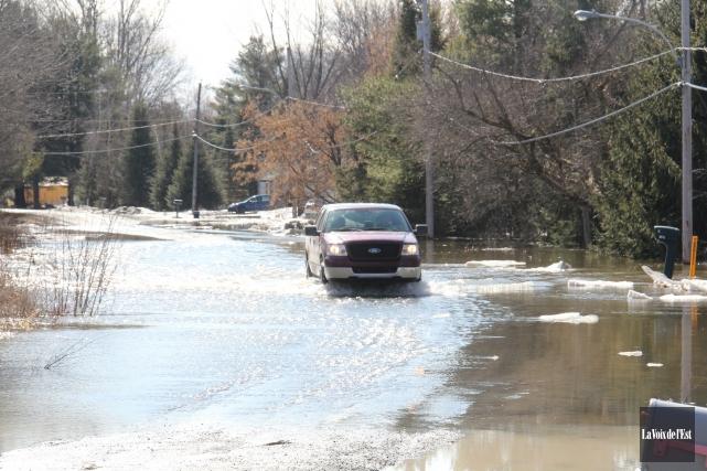 Des inondations ont touché la ville de Brigham... (Photo La Voix de l'Est)