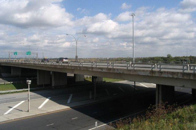 L'échangeur des autoroutes 20 et 30, à Boucherville,... (Photo Ministère des Transports du Québec)