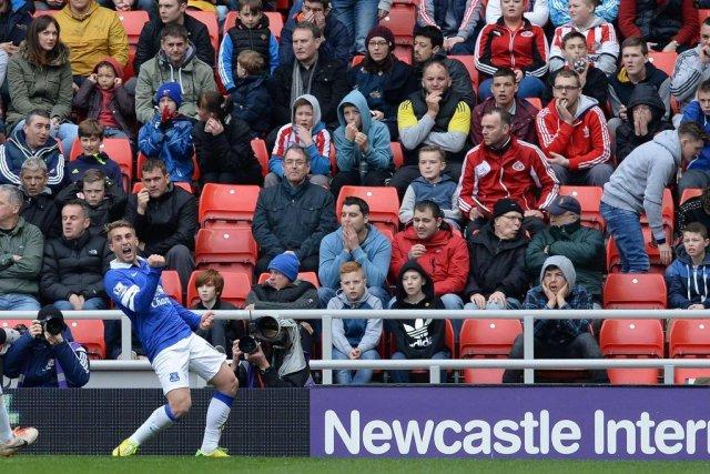 Gerard Deulofeu et ses coéquipiers d'Everton devancent désormais... (PHOTO NIGEL RODDIS, REUTERS)