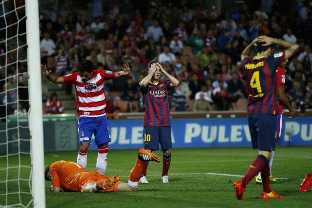 Lionel Messi (10) cachait mal sa déception après... (Photo Marcelo del Pozo, Reuters)