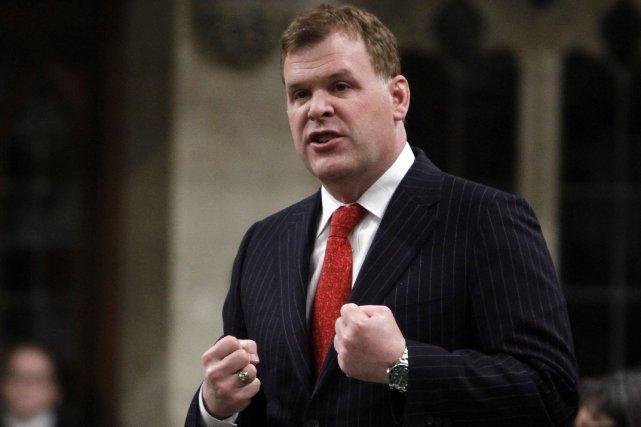 Le ministre des Affaires étrangères du Canada, John... (Photo Fred Chartrand, La Presse Canadienne)