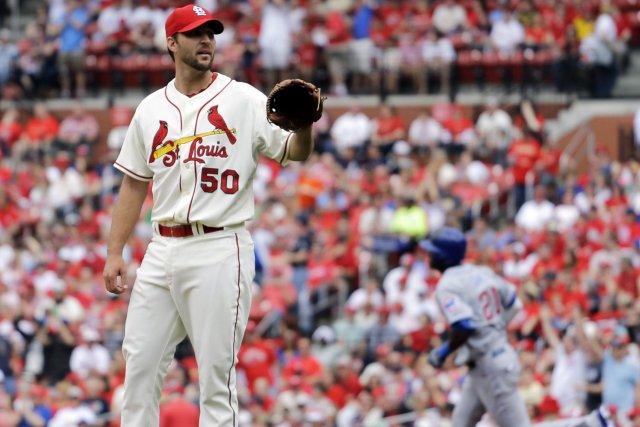 Adam Wainwright a travaillé pendant sept manches pour... (Photo Jeff Roberson, AP)