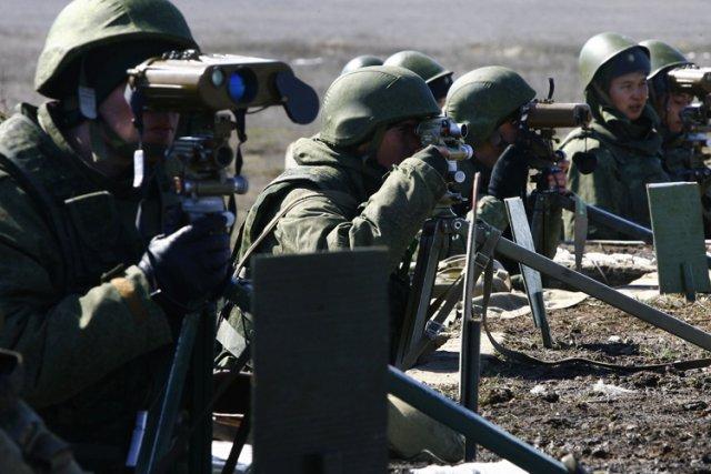 Moscou a massé jusqu'à 40 000 hommes à... (Photo: AFP)