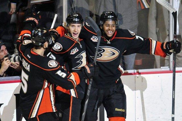 Nick Bonino a marqué à 1:33 de la période de prolongation et les Ducks... (Photo: Reuters)