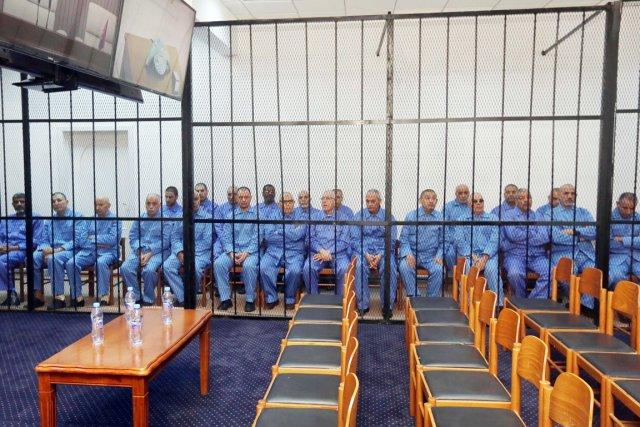 Le procès a été ajourné au bout de... (PHOTO MAHMUD TURKIA, AFP)
