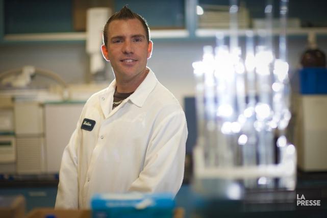 Mathieu Pouliot est technicien d'essais chez Bathium Canada.... (PHOTO ANDRÉ PICHETTE, LA PRESSE)