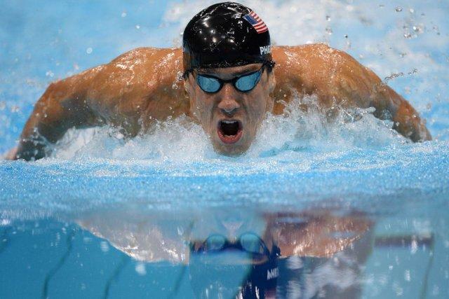 Michael Phelps, l'athlète le plus souvent décoré de... (Photo d'archives AFP)