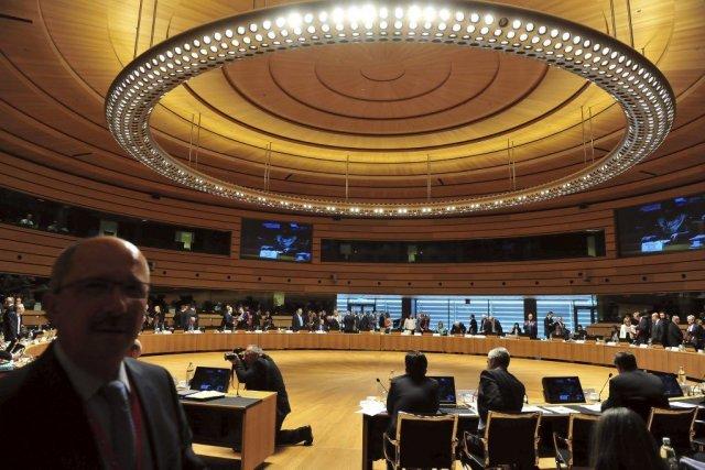 Les ministres des Affaires étrangères de l'UE se... (Photo GEORGES GOBET, AFP)