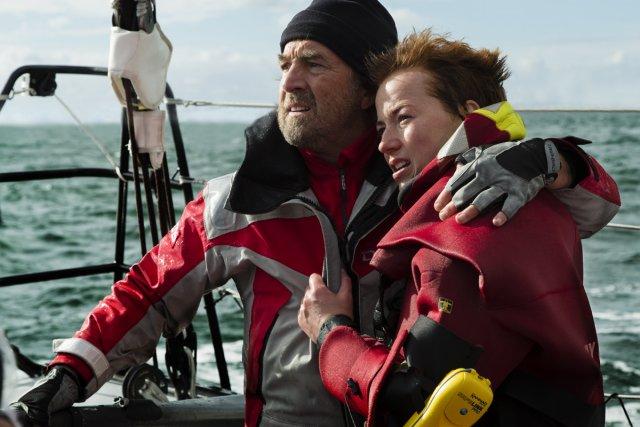 François Cluzet et Karine Vanasse dans En solitaire.... (Photo: fournie par Mongrel/Métropole Films)