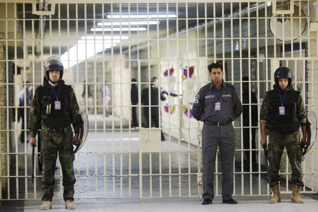 Quelque2400 détenus, arrêtés ou condamnés pour des affaires... (PHOTO KARIM KADIM, ARCHIVES AP)