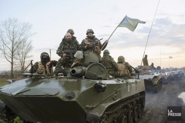Des soldats ukrainiens à environ 70 kilomètres de... (PHOTO MAXIM DONDYUK, ARCHIVES AP/RUSSIAN REPORTER MAGAZINE)